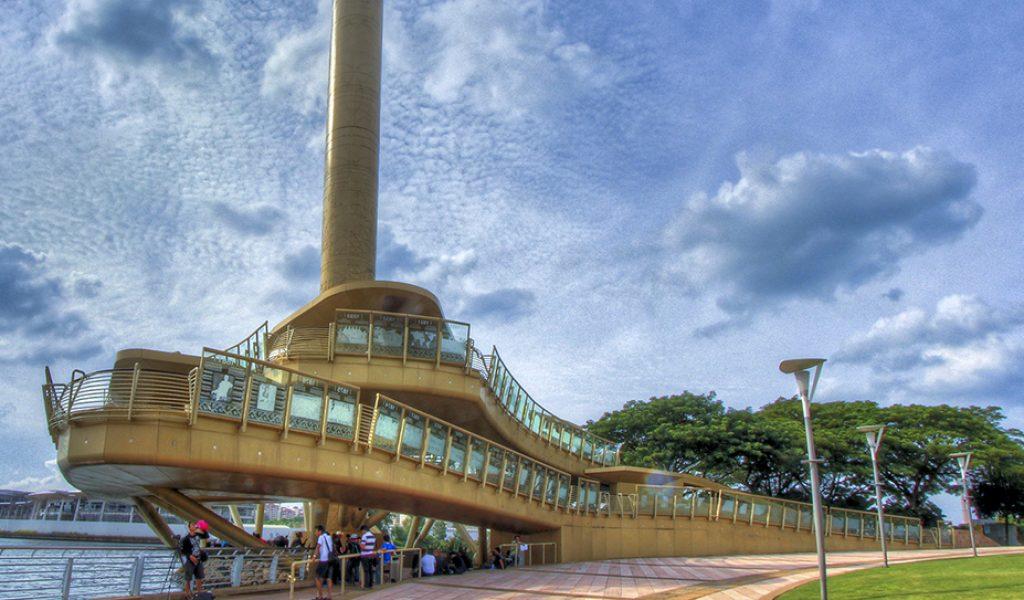 Monumen_Alaf_Baru,_Putrajaya_(7996211539)