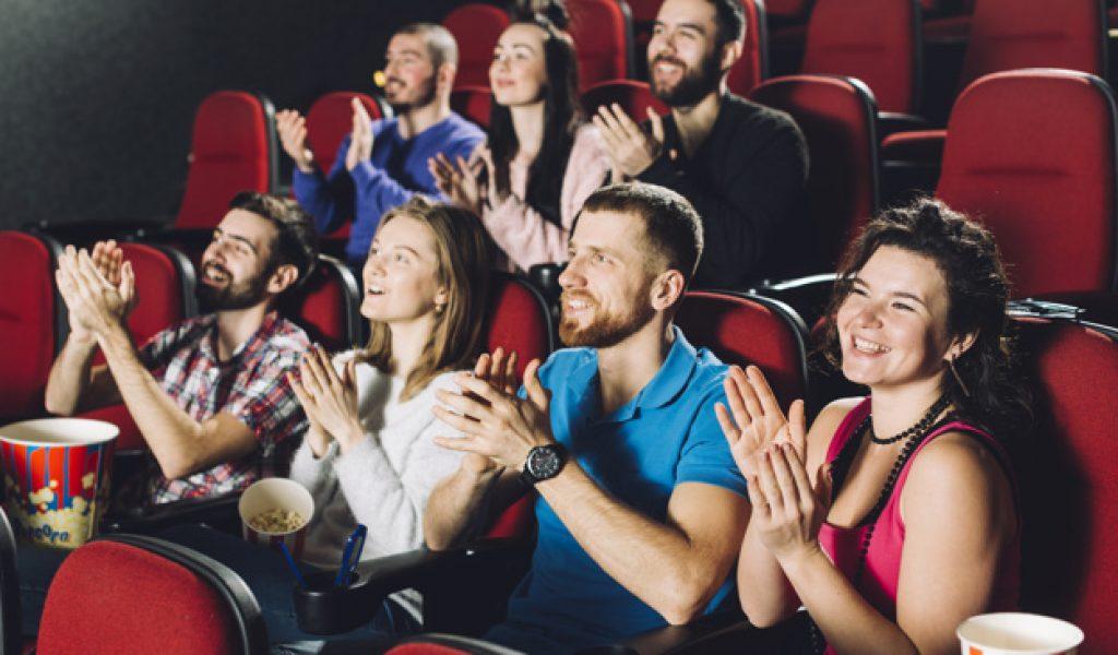 audience-applauding-movie_23-2147803833